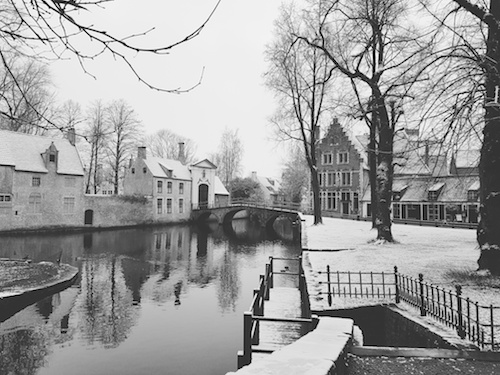 bruges in the snow